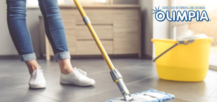 ¿Cómo debo usar los artículos de limpieza?